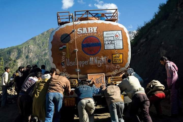 Leh-Manali-Highway-India-tanker